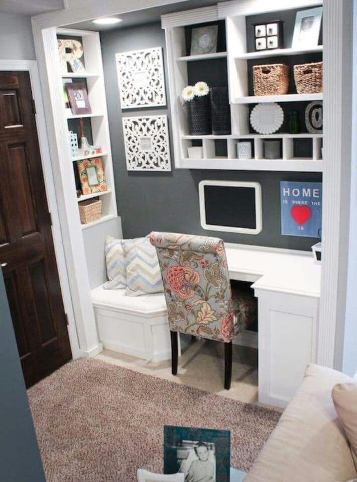 Office area/workspace in bedroom