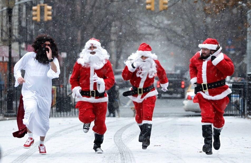 Santas Hit Manhattan Streets Today Santacon Santacon Nyc New York Christmas