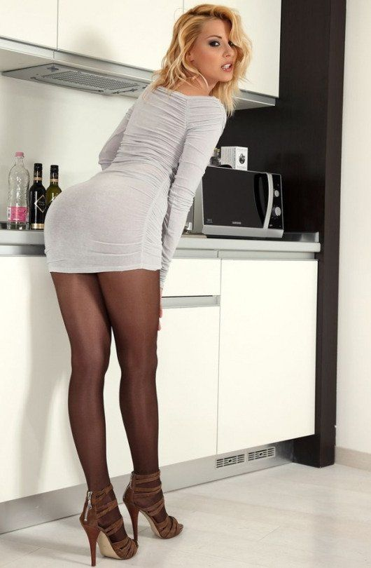 Miss Sixpence In Pantyhose