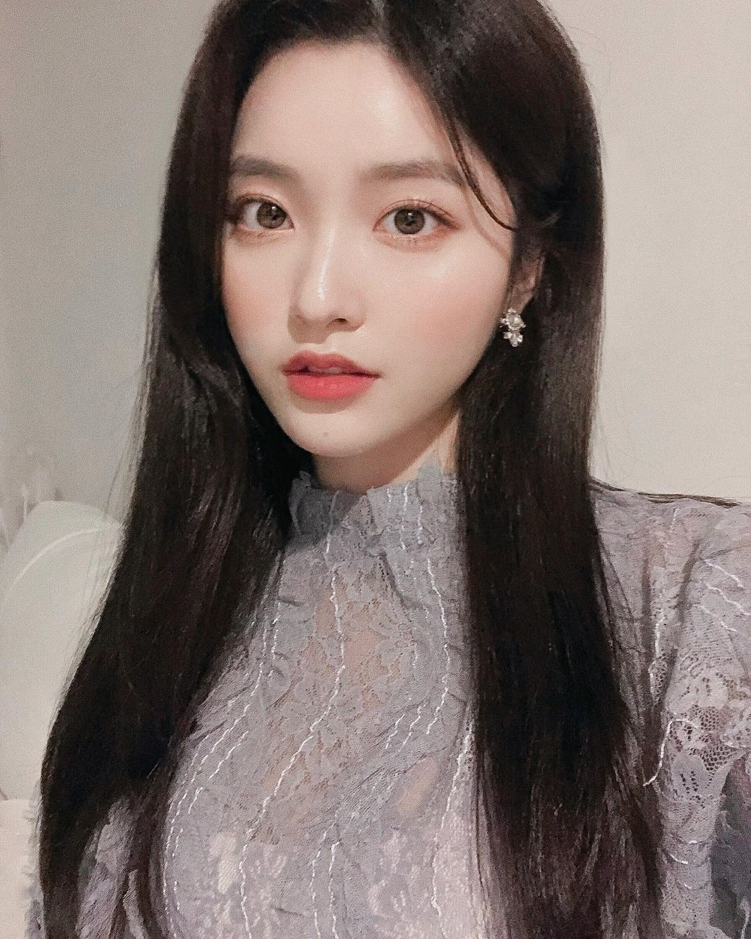 Instagram post by 김나희 • Oct 6, 2019 at 1101am UTC 美人 顔