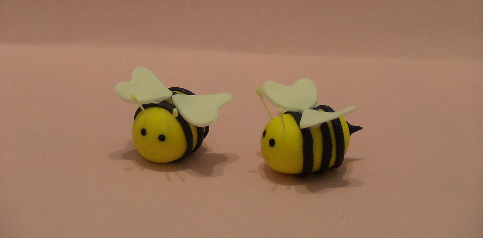 Bumble Bee - A pair of little bumble bees to go on a spring