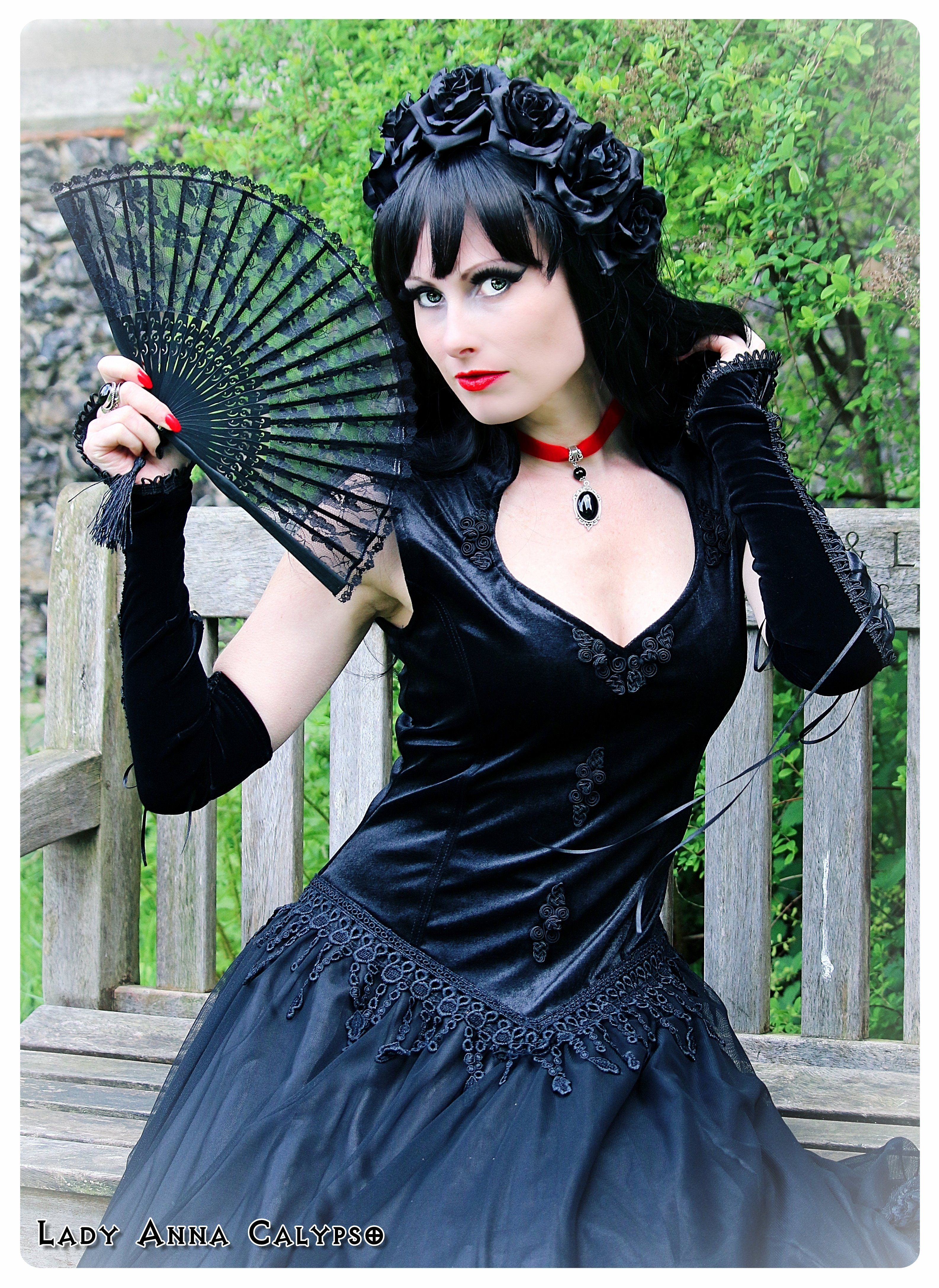 Model; Lady anna Calypso  Photography ; Andy #Gothic #Goth #Gothicdress #Sinister