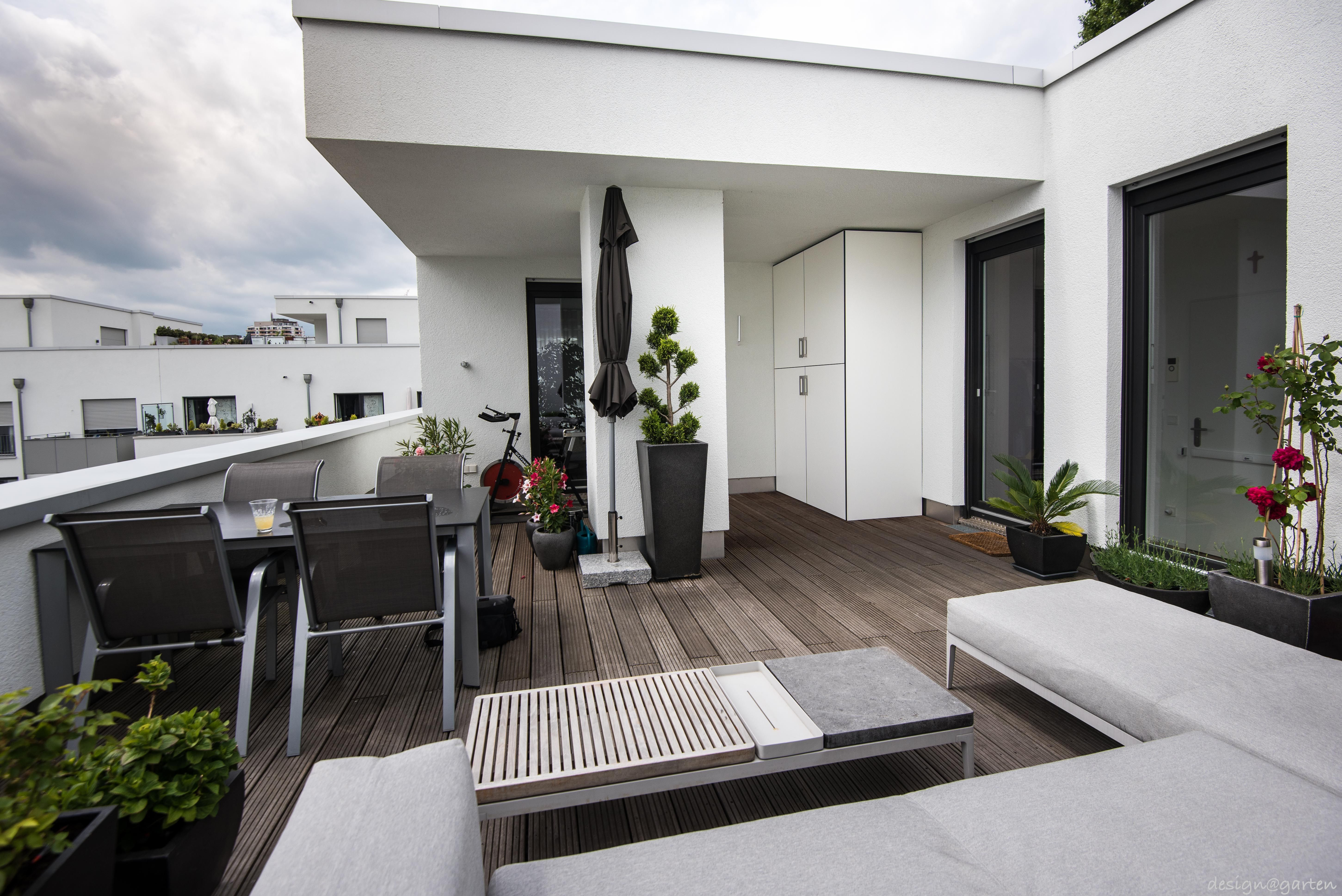 Terrassenschrank Grillschrank Win Projekt In Koln By Design Garten Augsburg Germany Gartenschrank Terassenideen Balkonschrank