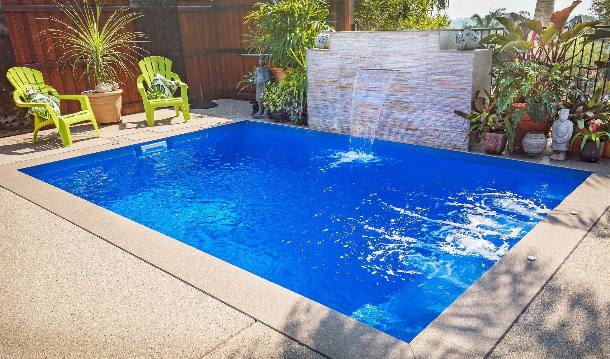 Leisure Pools Platinum Plunge In Bermuda Blue With Cascade Water