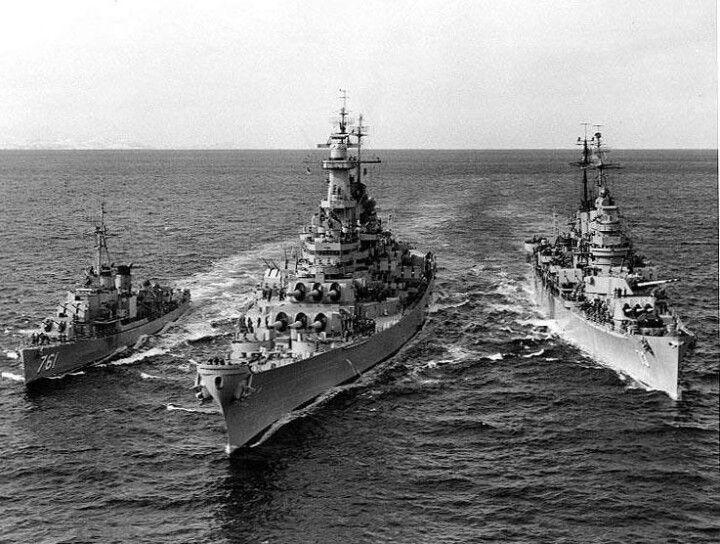 Destroyer Buck, Battleship Wisconsin BB-64, heavy Cruiser St.Paul off Korea, 22 Feb. 1952