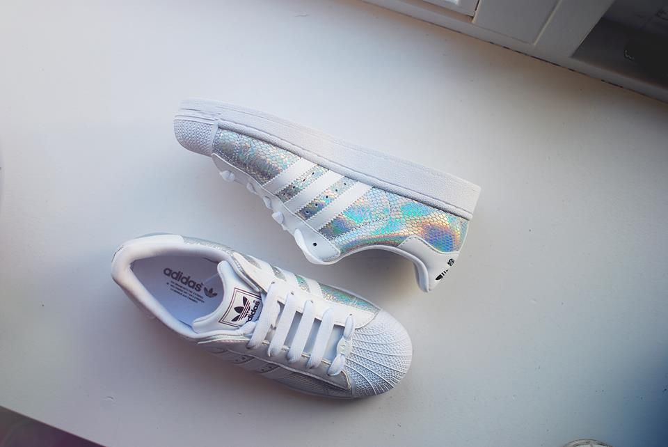 adidas superstar glitter rainbow