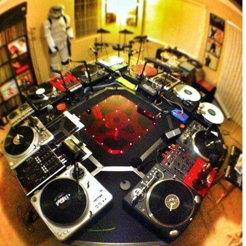 the ultimate set up d j dj equipment turntable dj setup. Black Bedroom Furniture Sets. Home Design Ideas