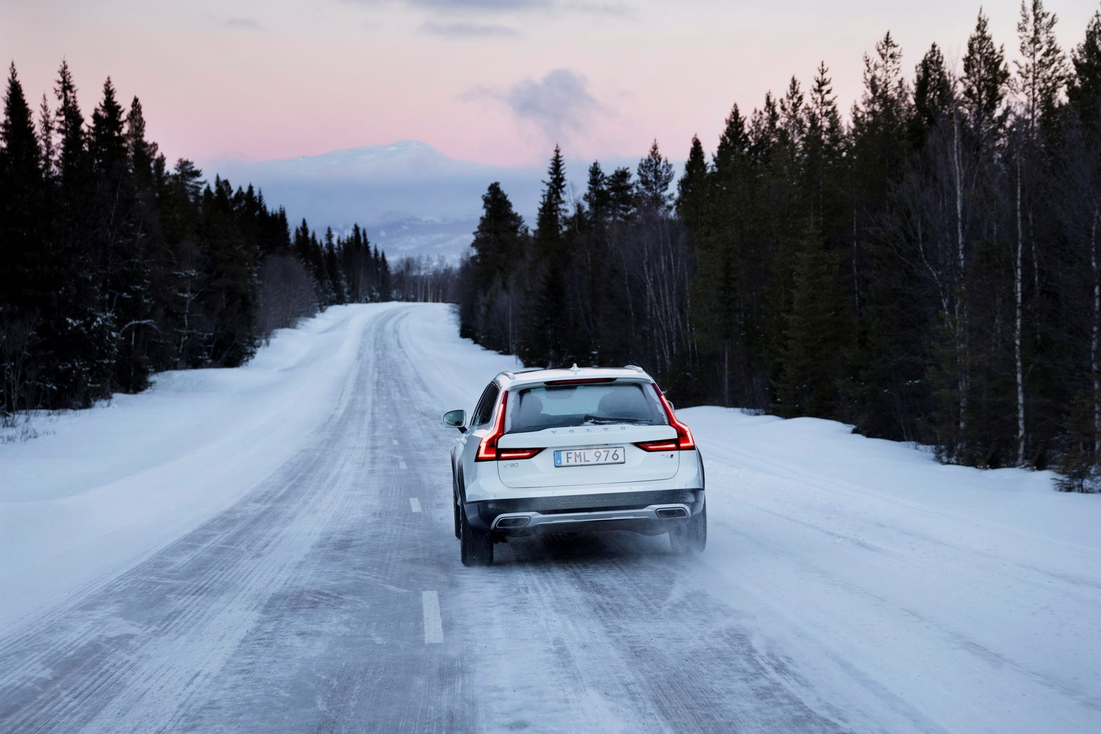 Volvo Spot Portrays New V90 Cross Country As The Perfect Get Away 2018 Is Car Carscoops