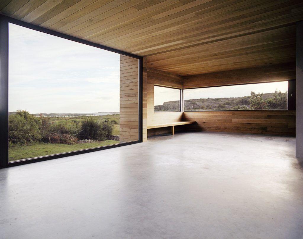 Vom Boden bis zur Decke reichende Fenster mit vollem Potenzial, um großartige Ansichten hervorzuheben #rusticporchideas