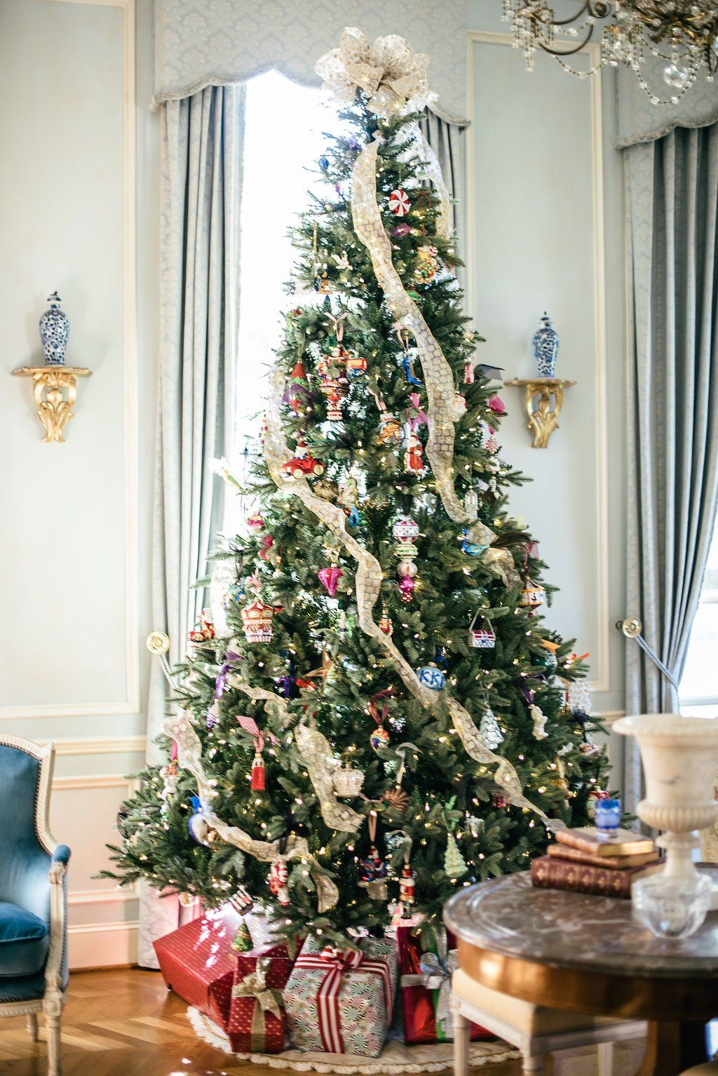 How To Decorate For The Holidays Without Breaking The Bank