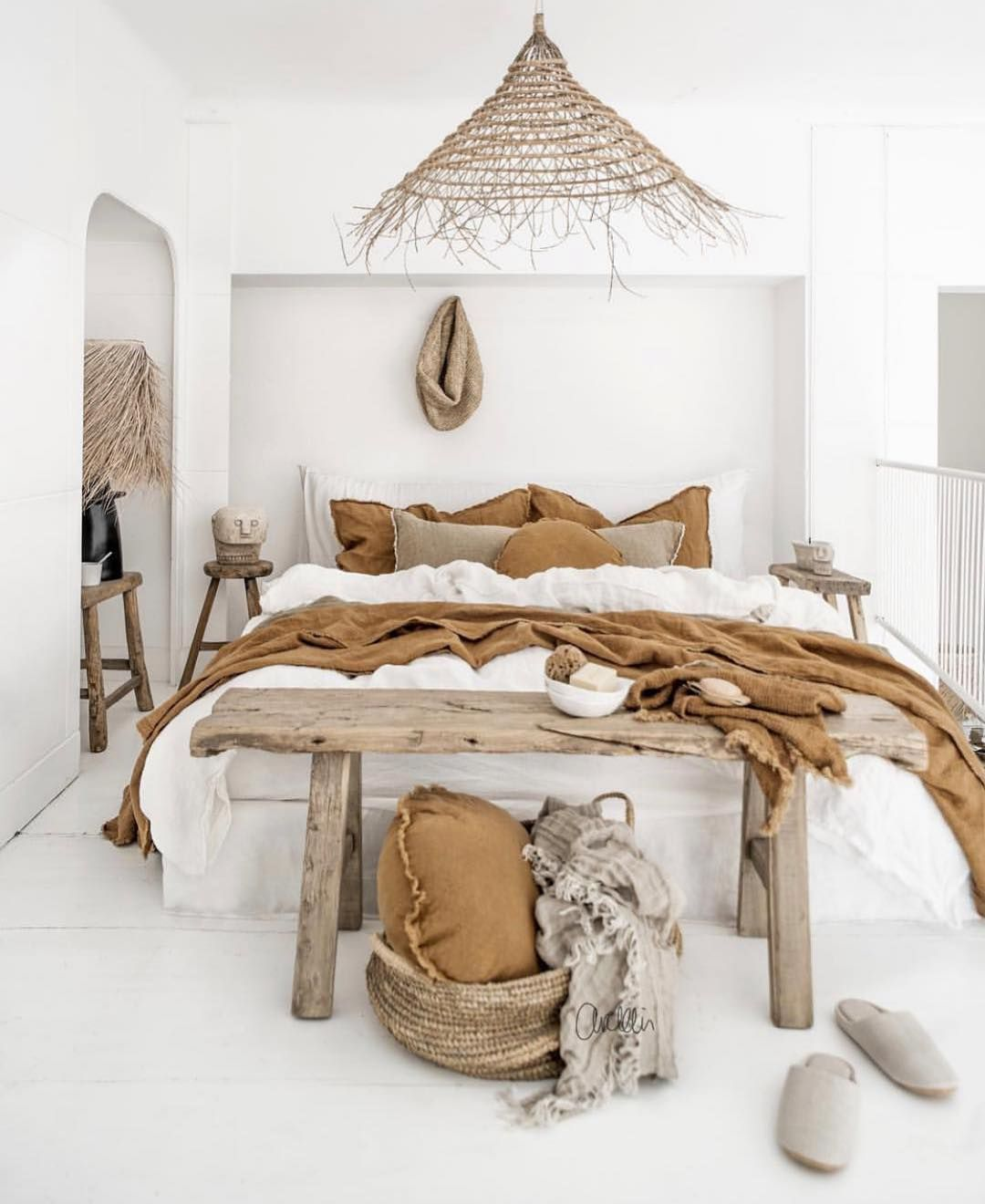 Boho styling with our pure linen bedding palette.Our entire collection is grown, spun, woven and sewn only in Europe #halemercantileco #linensheets#linenbedding #interiordesign#interiorstyle #interiordecor#scandistyle #nordicstyle #linen#linenlife #vogueliving#countrystyle