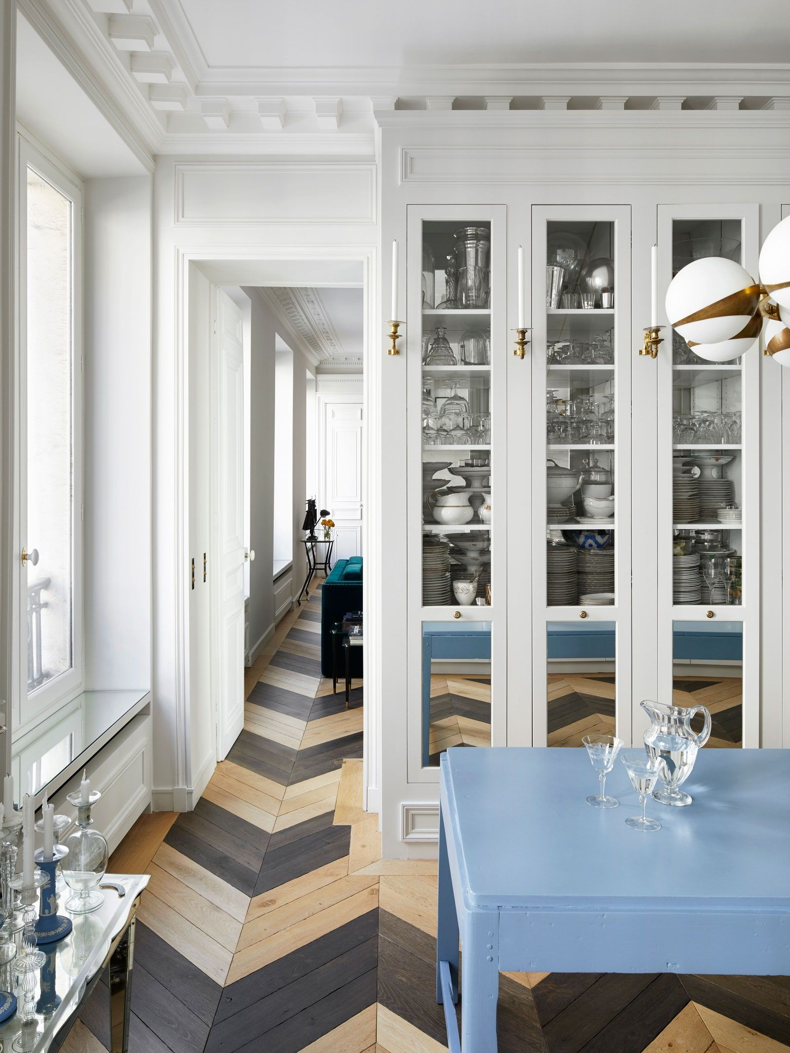 Fashion Designer Alexis Mabille S Paris Apartment Is A Romantic S Dream In 2020 Parisian Apartment Decor Parisian Kitchen Paris Apartments