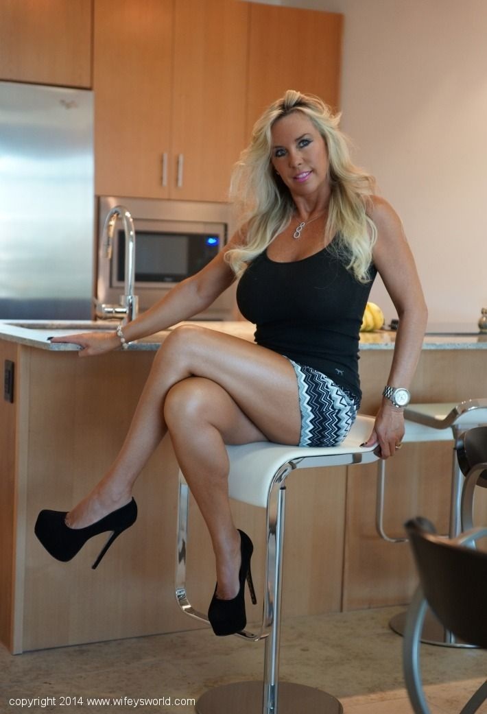 Tall white milf white shorts