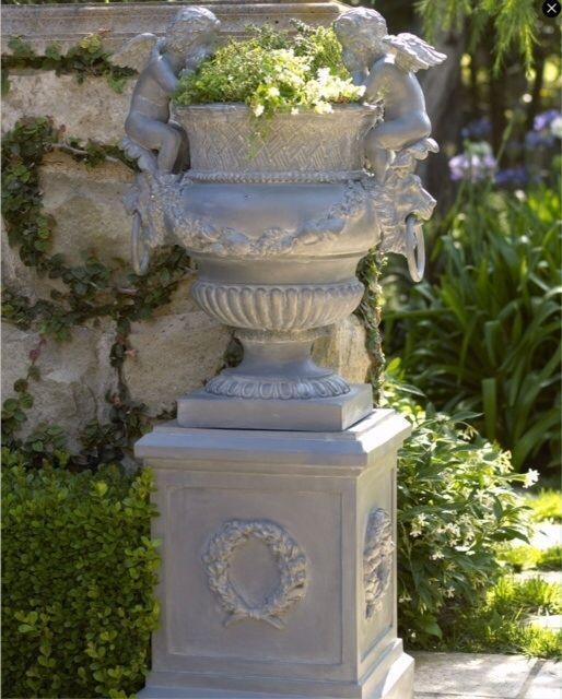 Horchow Neiman Marcus Cherub Planter Amp Wreath Pedestal