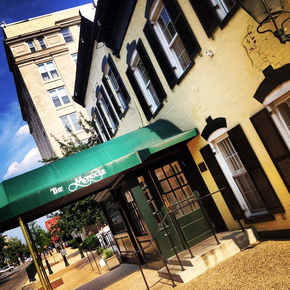 25 Clic Restaurants And Bars Every Washingtonian Must Try Eater Dc