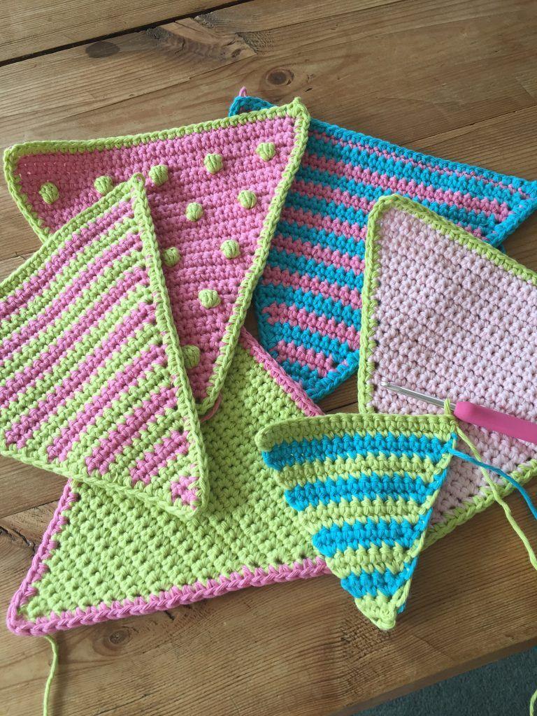 Crochet Club: summer bunting | Häkeln, Bommel und Wimpelkette