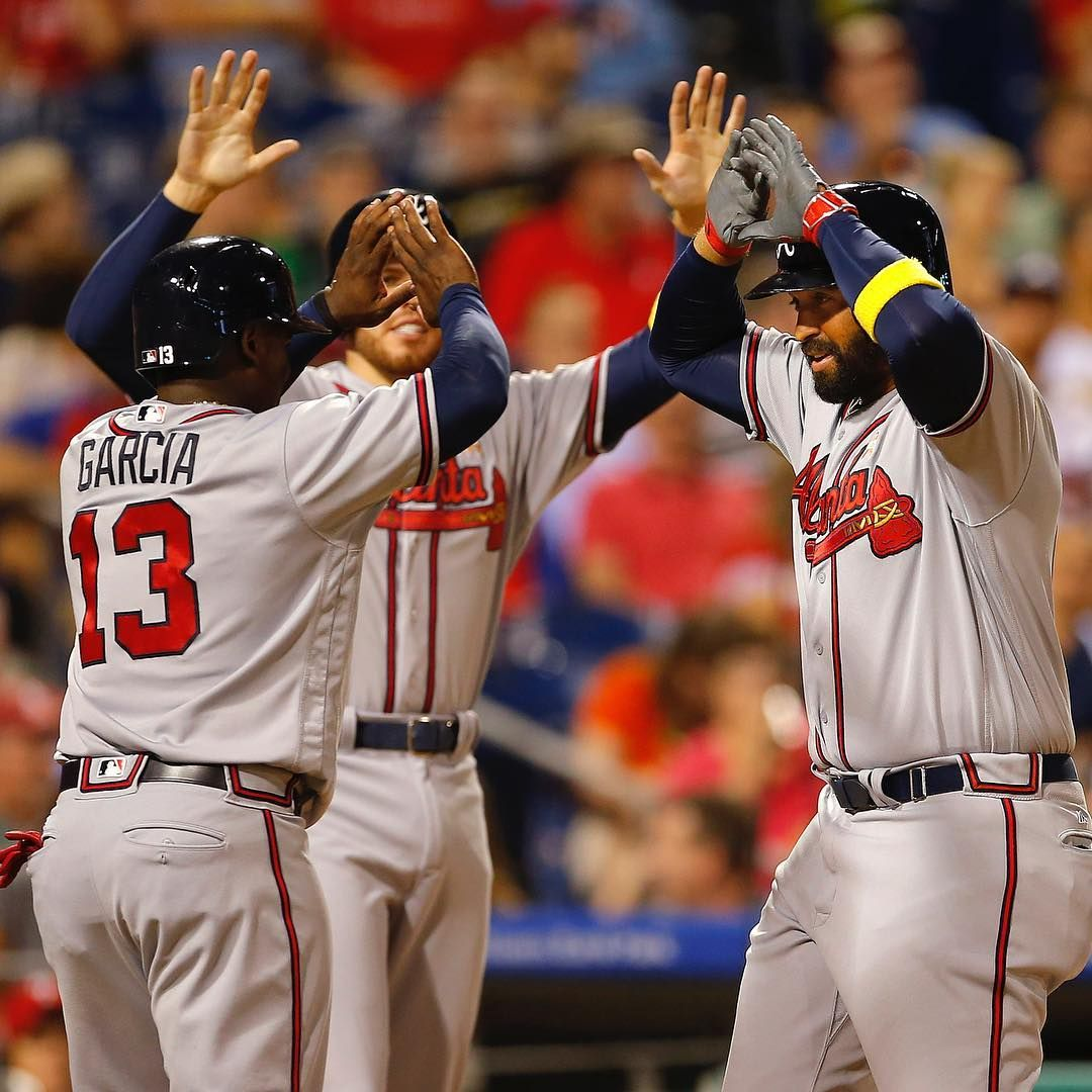 And Everybody S Hands Go Up Chopon Braves Atlanta Braves Braves Baseball