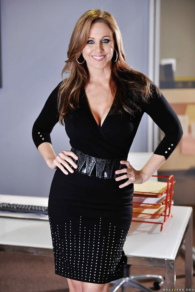 Julia Ann As The Sexy Secretary Office Cleavage Milf -8598