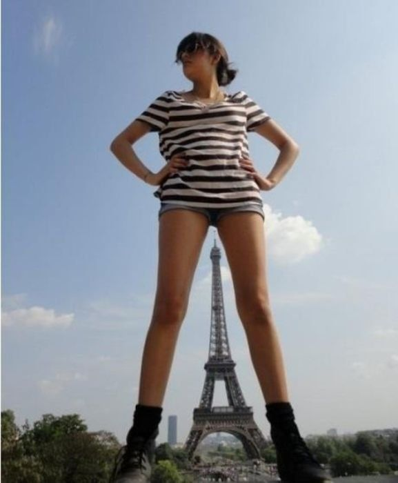 Funny Sight Of Paris Eiffel Tower