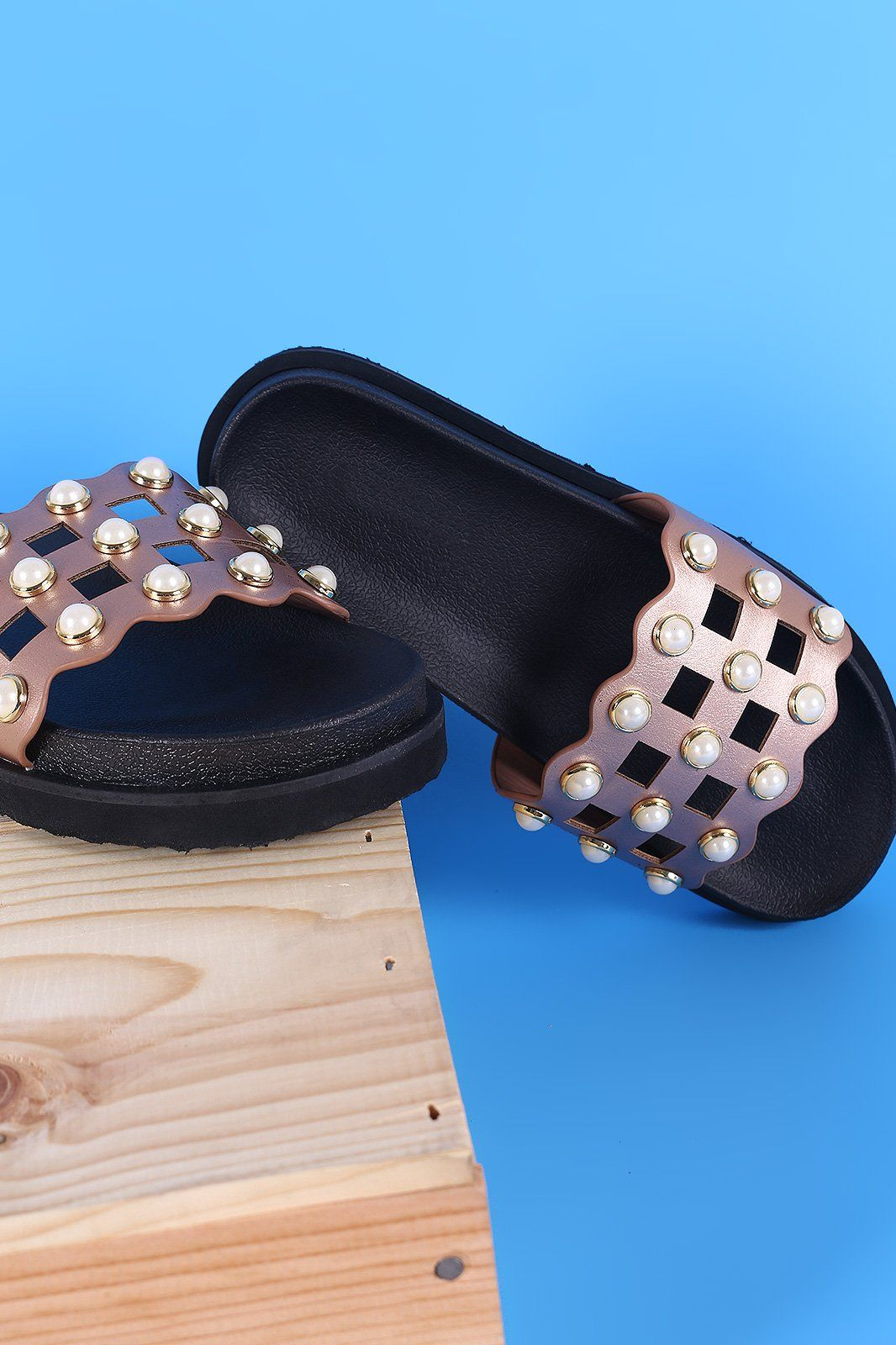 525b437b50e01b Faux Pearl Grid Cutout Flatform Slide Sandal