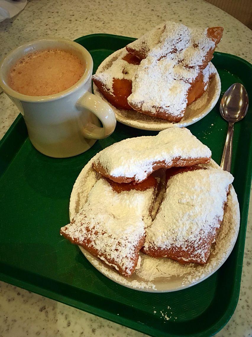 Beignets at Cafe du Monde Best ever!