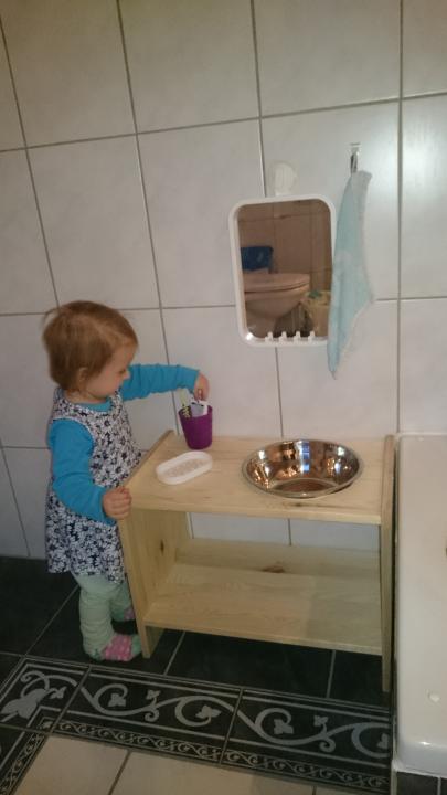 Mini Waschtisch aus Ikea Beistelltisch | Waschtisch ...