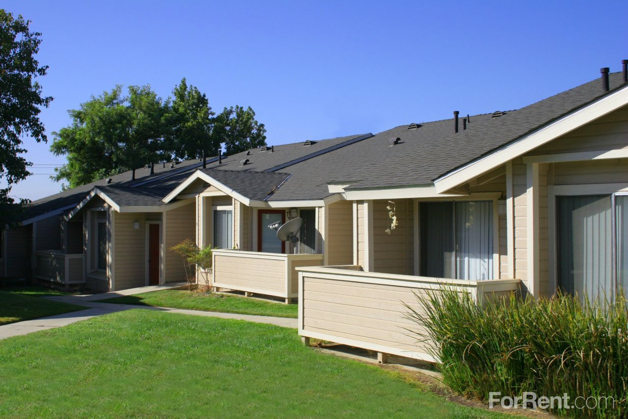 Shadow Ridge Apartments For Rent In Bakersfield California Apartments For Rent California Apartment Apartment Communities