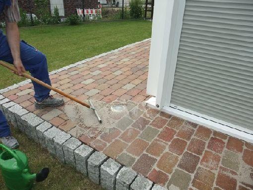 Gardenplaza - In wenigen Arbeitsschritten zum neuen Untergrund im Außenbereich - Verfugen von Pflaster, Kies und Co leicht gemacht