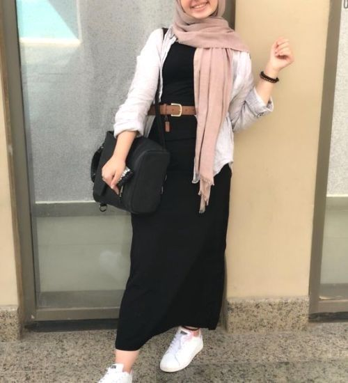 Photo of Modest Summer Fashion Trends You Need to Follow : black maxi dres
