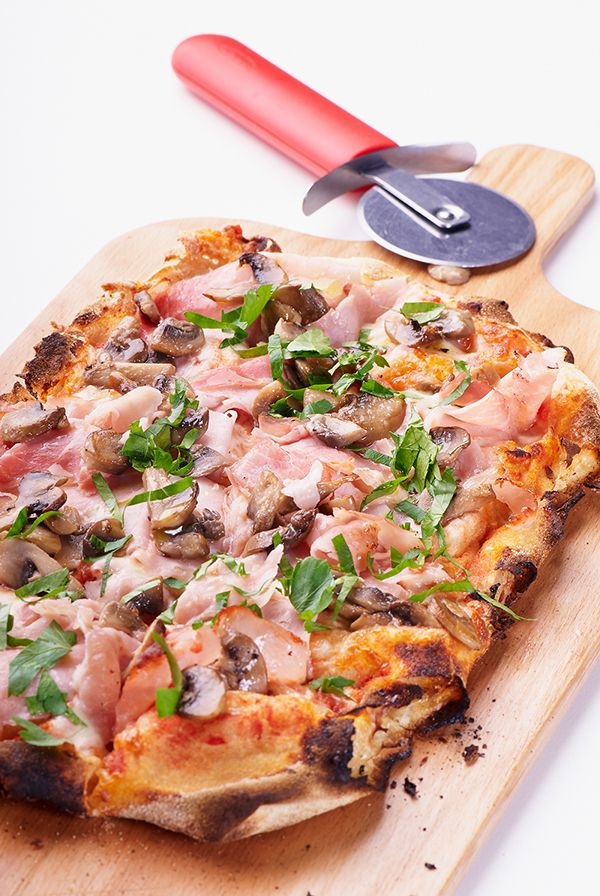 Pin By Rogier Van Zeventer On Asnipdxb Food Hawaiian Pizza Vegetable Pizza