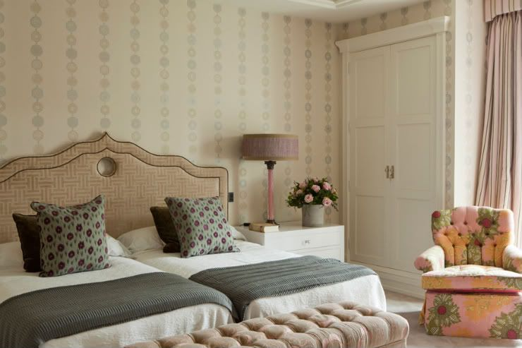 Double Twin Mattresses Sharing A Queen Headboard The S Would Love This