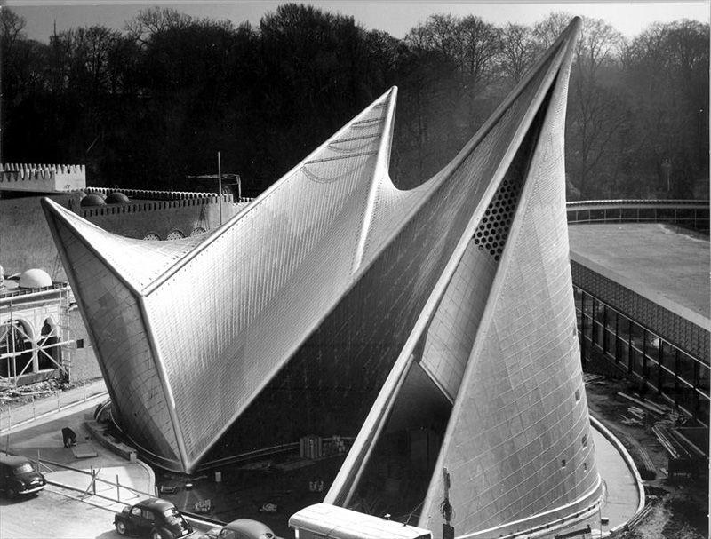 "Ле Корбюзье Павильон Philips ""Электронная поэма"" Брюссель Бельгия 1958"