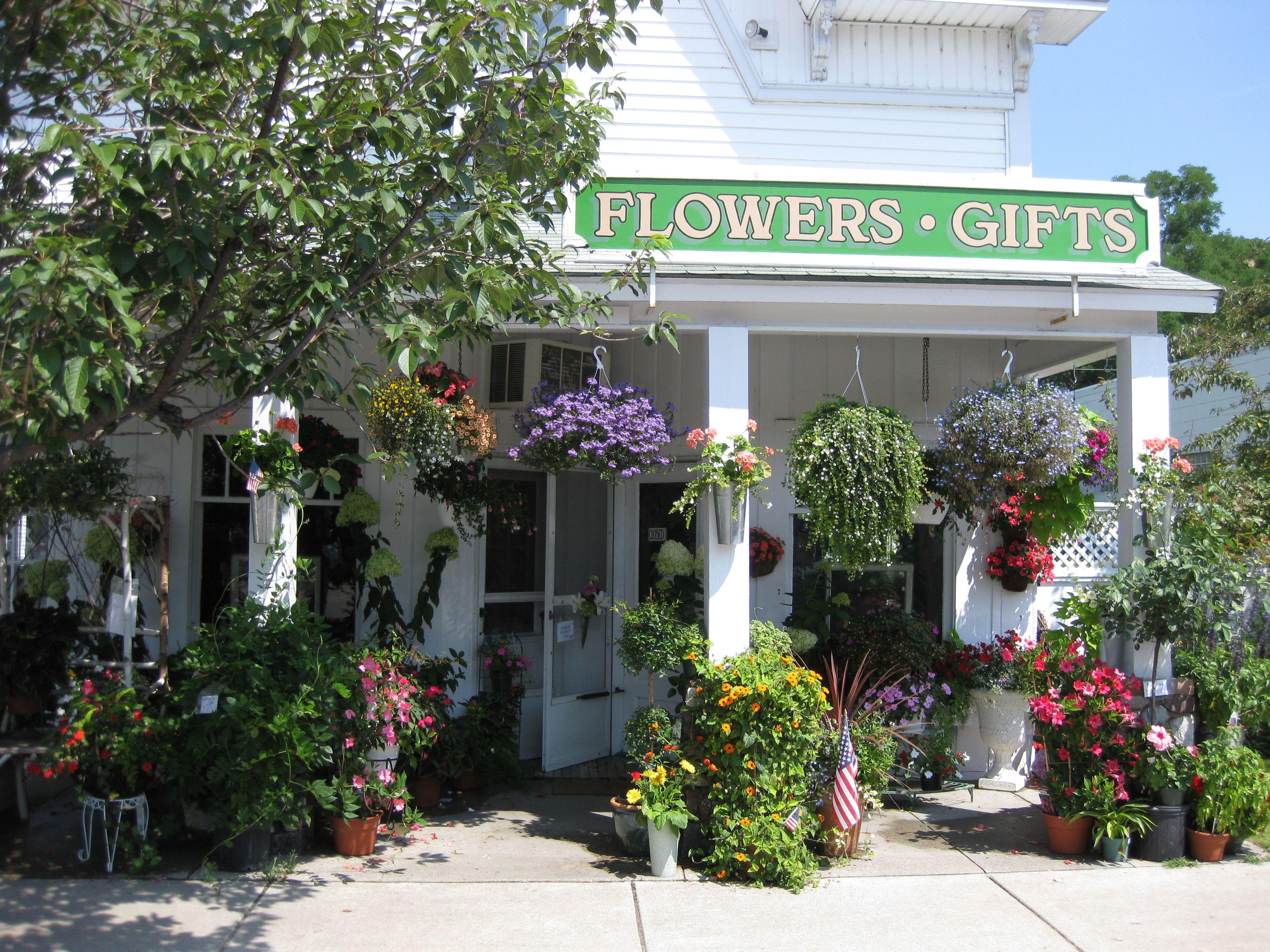 Beautiful flower shop in alden tc pinterest beautiful flower shop in alden izmirmasajfo