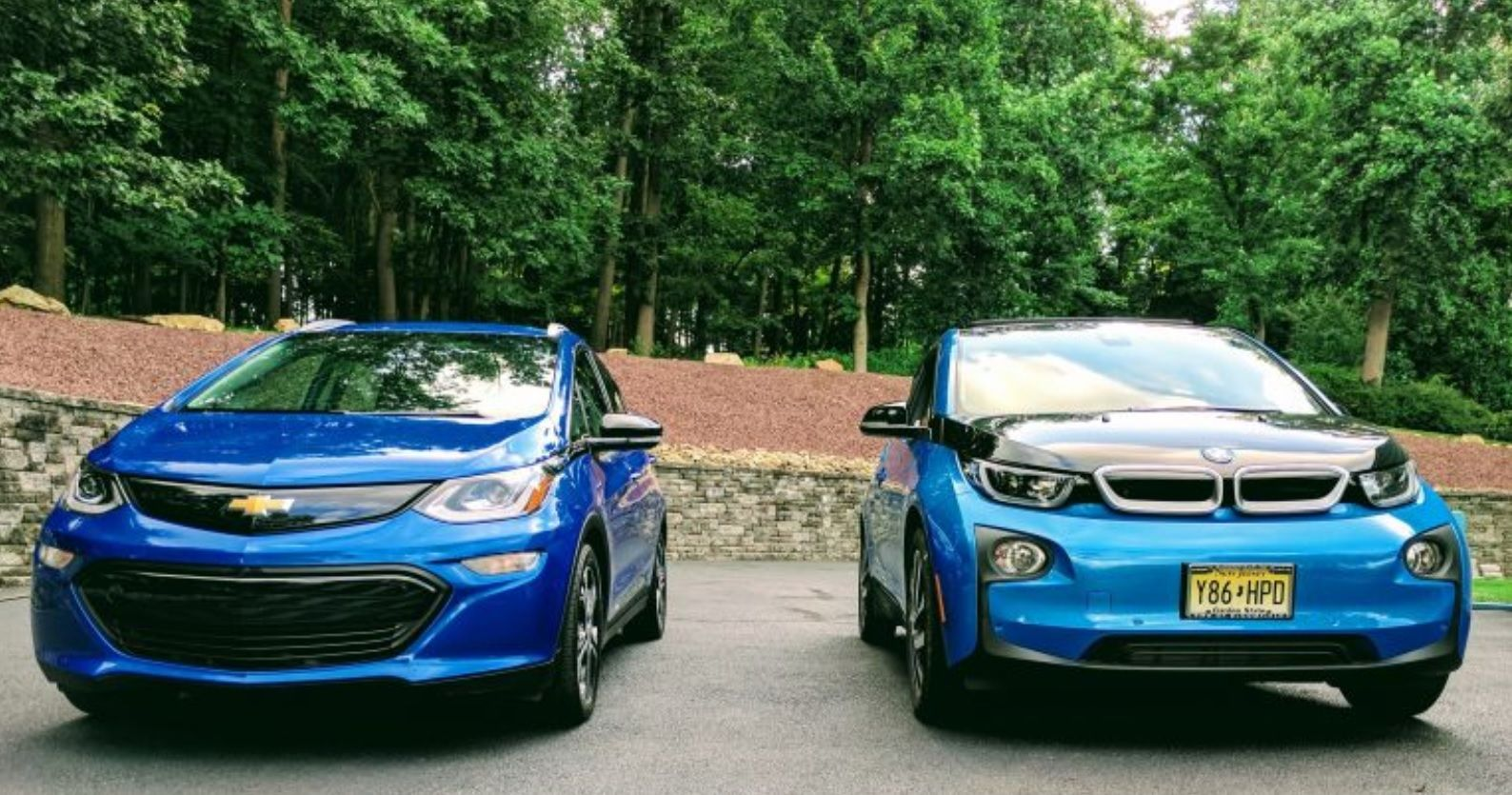 Chevy Bolt Ev Reviewed By Bmw I3 Driver Electric Cars Compared