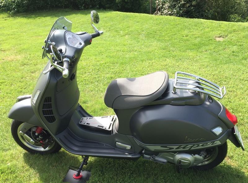 Modern Vespa : GTS with seat of GTV                              …