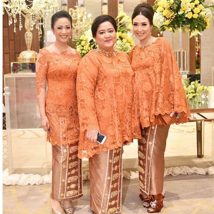 Pin Oleh Indah Srie Di Kebaya Kebaya Brokat Baju Muslim Dan