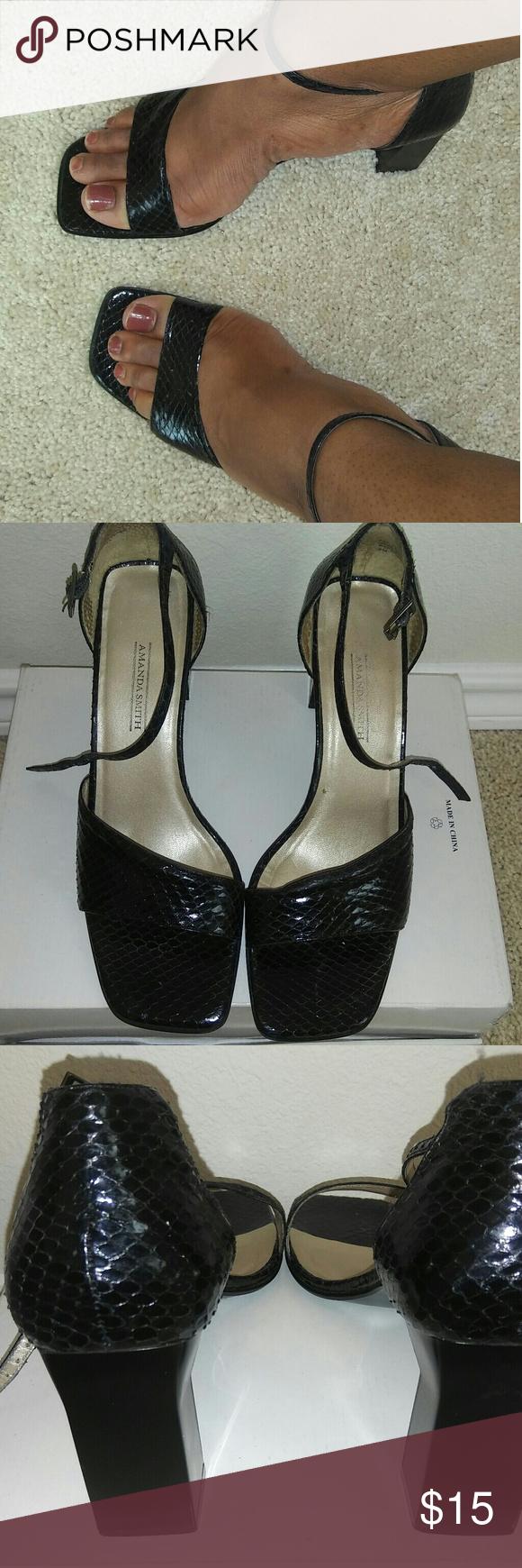 WOMEN SNAKE DESIGN HEELS Black  Snake Skin Pattern Chunky Heel  No Scuffs  No Marks   *Make An Offer* Amanda Smith Shoes Heels