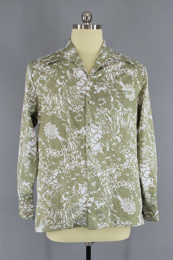 e5f3bb56a10a Vintage 1970s Disco Shirt / 70s Men's Aloha Shirt / 1960s LIBERTY HOUSE Iolani  Hawaiian Shirt / Green Hawaiian Print #70sShirt #VintageMenswear #MensShirt  ...
