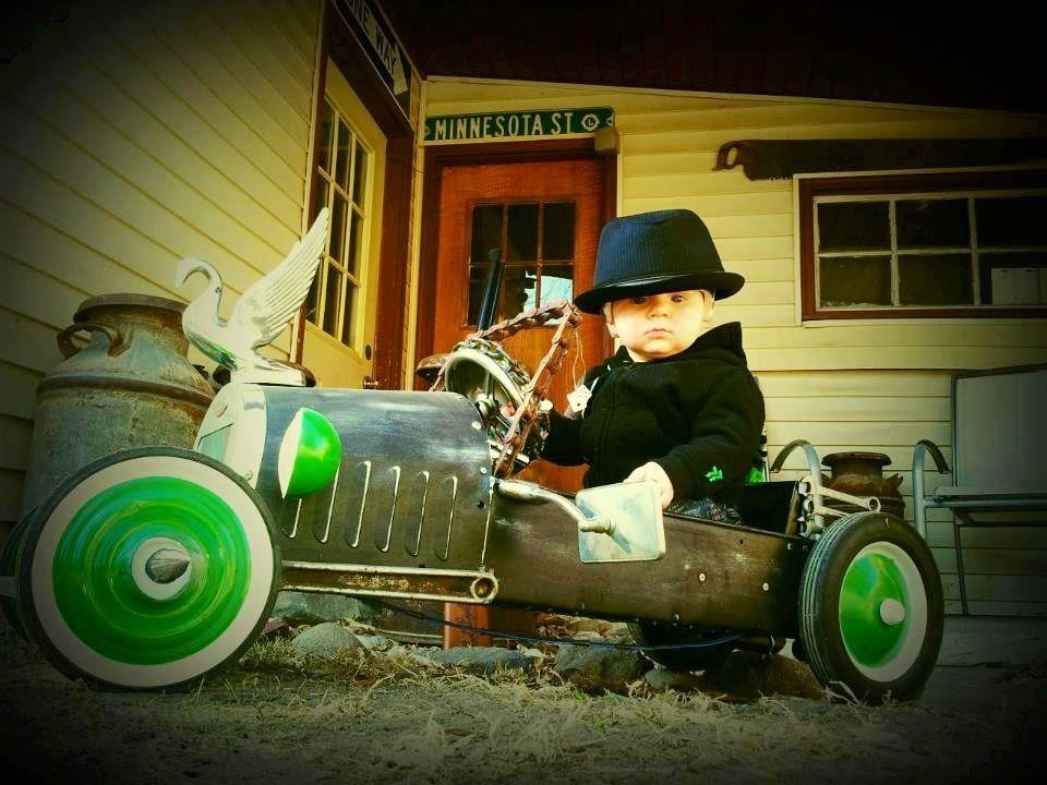 vintage pedal car omg how cute is he
