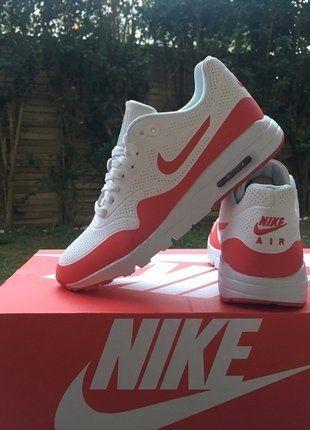 À vendre sur #vintedfrance ! http://www.vinted.fr/chaussures-femmes/baskets/32184192-authentique-nike-air-max-one-ultra-neuve-ds