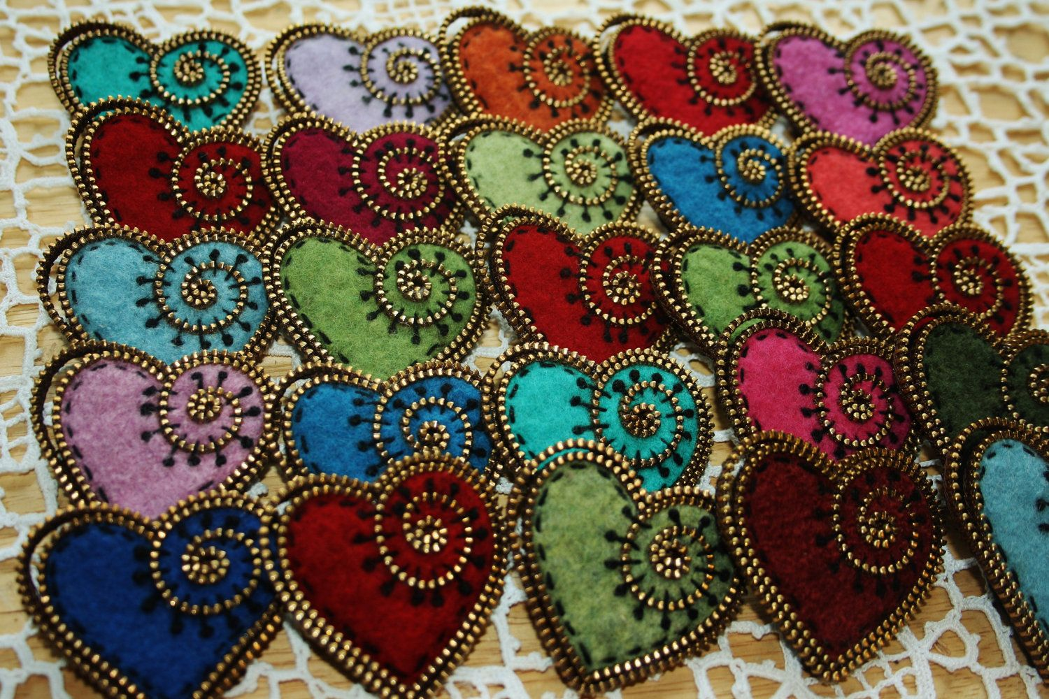 Heart brooch kit.... brass zipper and two ready cut hearts...your choice of color.. $8.00, via Etsy.