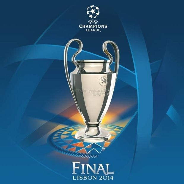UEFA Champions League Trophy Selfie | Champions league ...