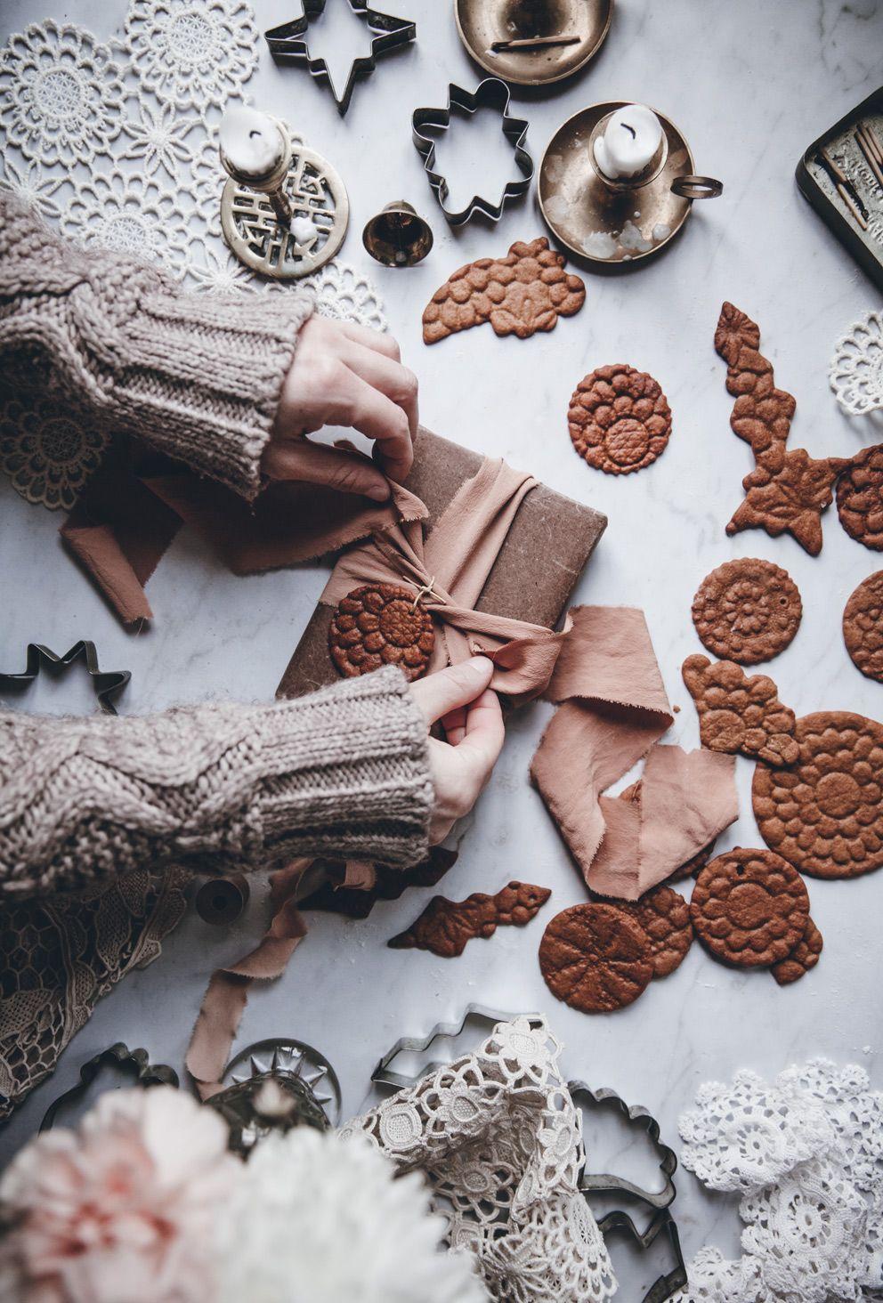 Gingerbread Cookies - Call Me Cupcake #gingerbreadcookies