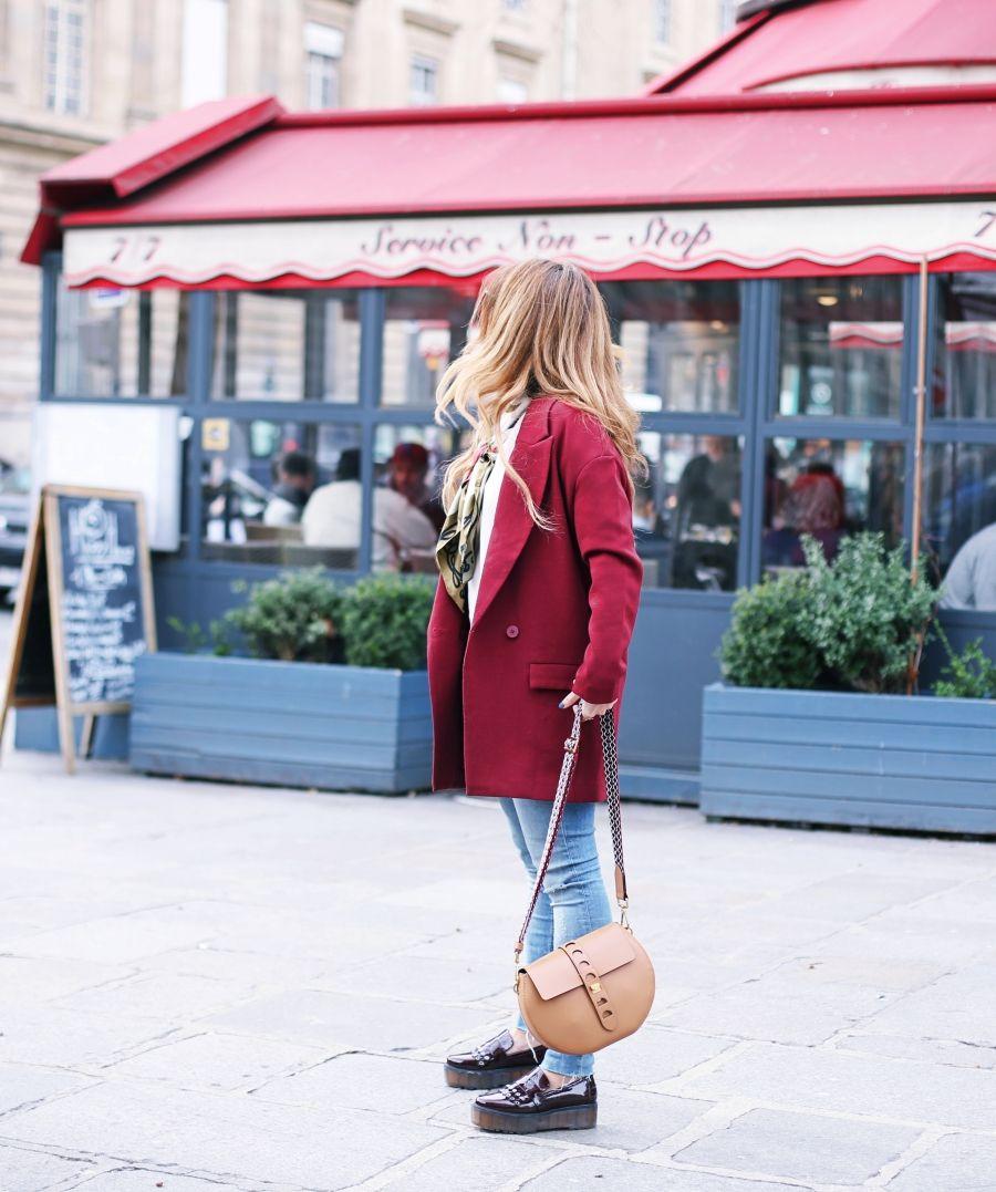 Look con abrigo burdeos y bolso nuevo. A trendy life.   7b62b086ca9