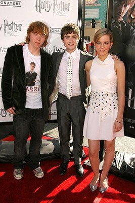 Harry Potter And The Order Of The Phoenix Premiere Emma Watson Harry Potter Harry Potter Actors Harry Potter Pictures