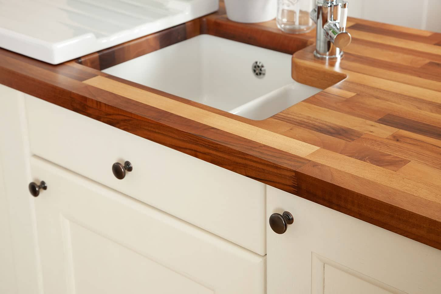Huge Range Of Solid Walnut Worktops At Worktop Express The Uk S 1 Online Supplier Next Day Delivery Available Order Your Walnut Kitchen Walnut Kitchen Kitchen Home Decor