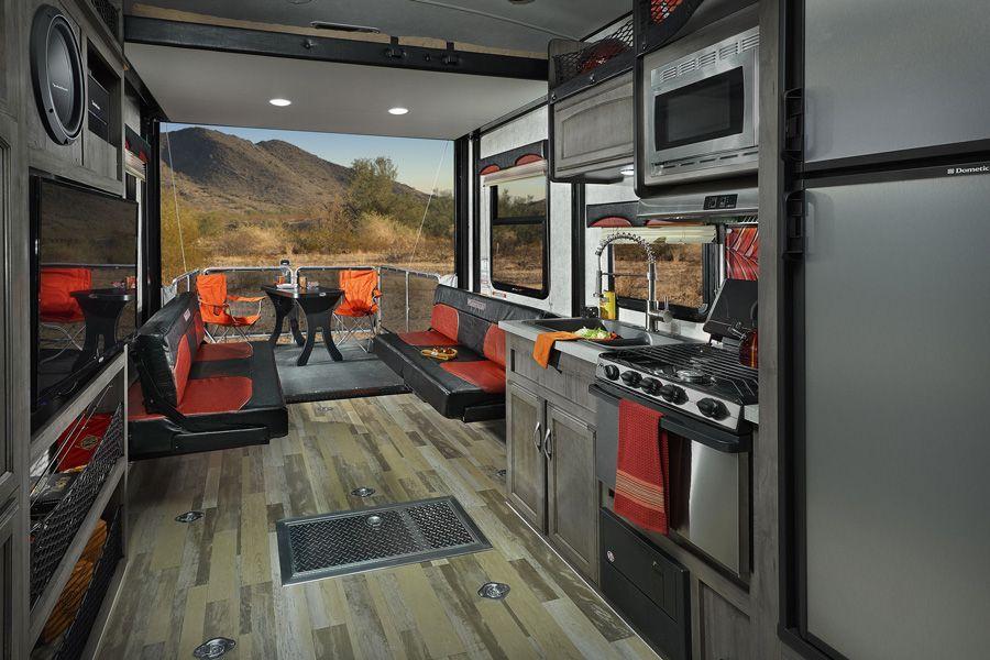 Spyder Interior Features Winnebago Rvs Toy Hauler Rv Toy Hauler Camper Toy Hauler