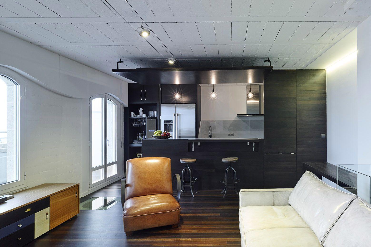 Apartamento de dois níveis com um estúdio de trabalho em Espanha