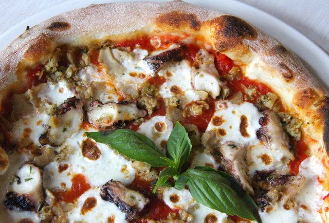 A Comprehensive Guide To Nyc Pizza For 2015 Best Italian Restaurants White Sauce Recipes Ny Restaurants