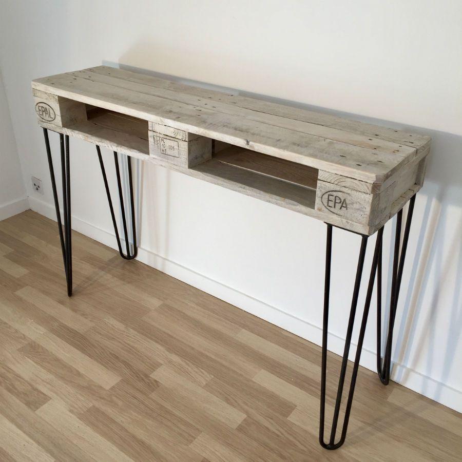 Table Basse Realisee Avec Un Touret En Bois Cerclage Metallique Meuble Tele En Palette Table Basse Touret Console Meuble